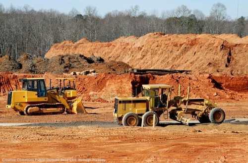 Cantiere per la costruzione di infrastrutture all'estero